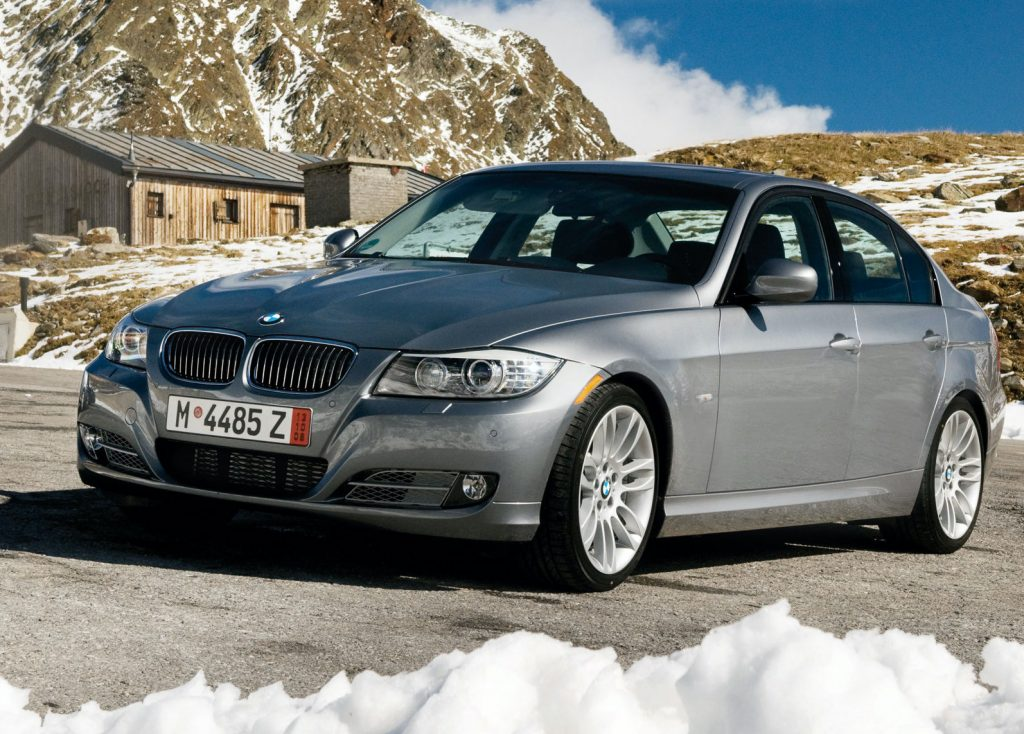 a front shot of a 2009 BMW 335D  in silver