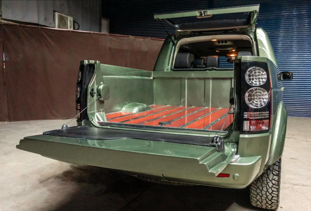 Land Rover custom pickup bed
