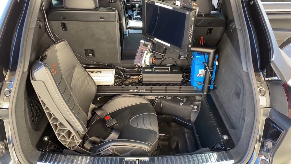 The cargo-room-area seat and equipment of the Porsche Cayenne 'Arm Car'