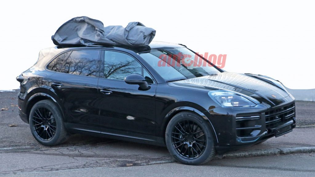 Spy Photos of 2022 Porsche Cayenne | AutoBlog