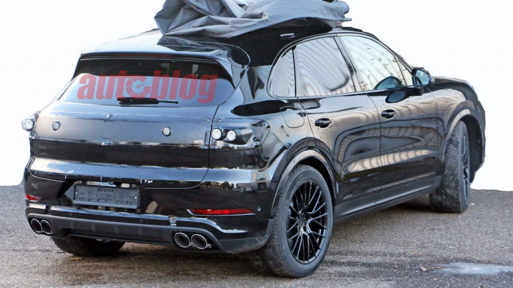 Spy Photos of 2022 Porsche Cayenne