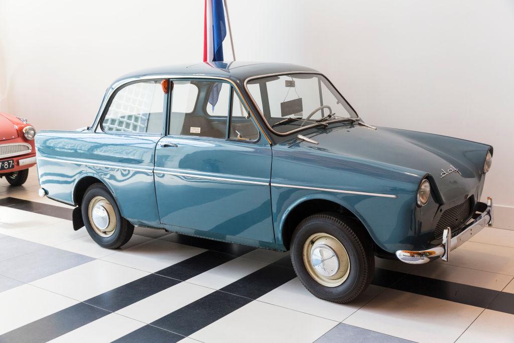 A blue 1958 DAF 600 on display