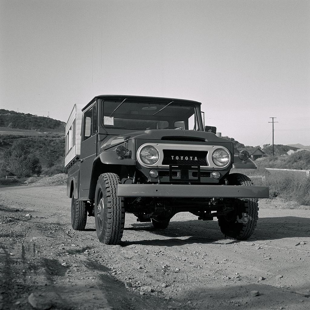 1967 Toyota Land Cruiser FJ45 Longbed Pickup b & W image