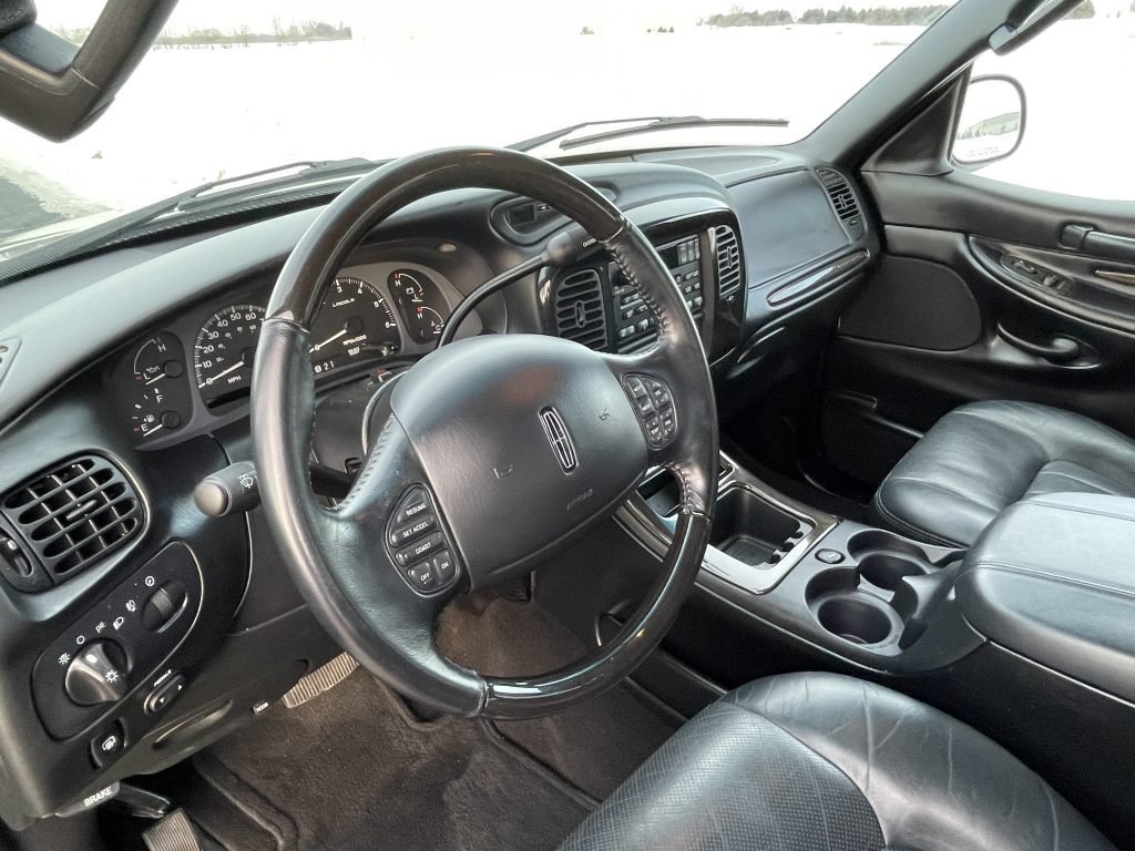 a shot of the 2002 Lincoln Blackwood interior