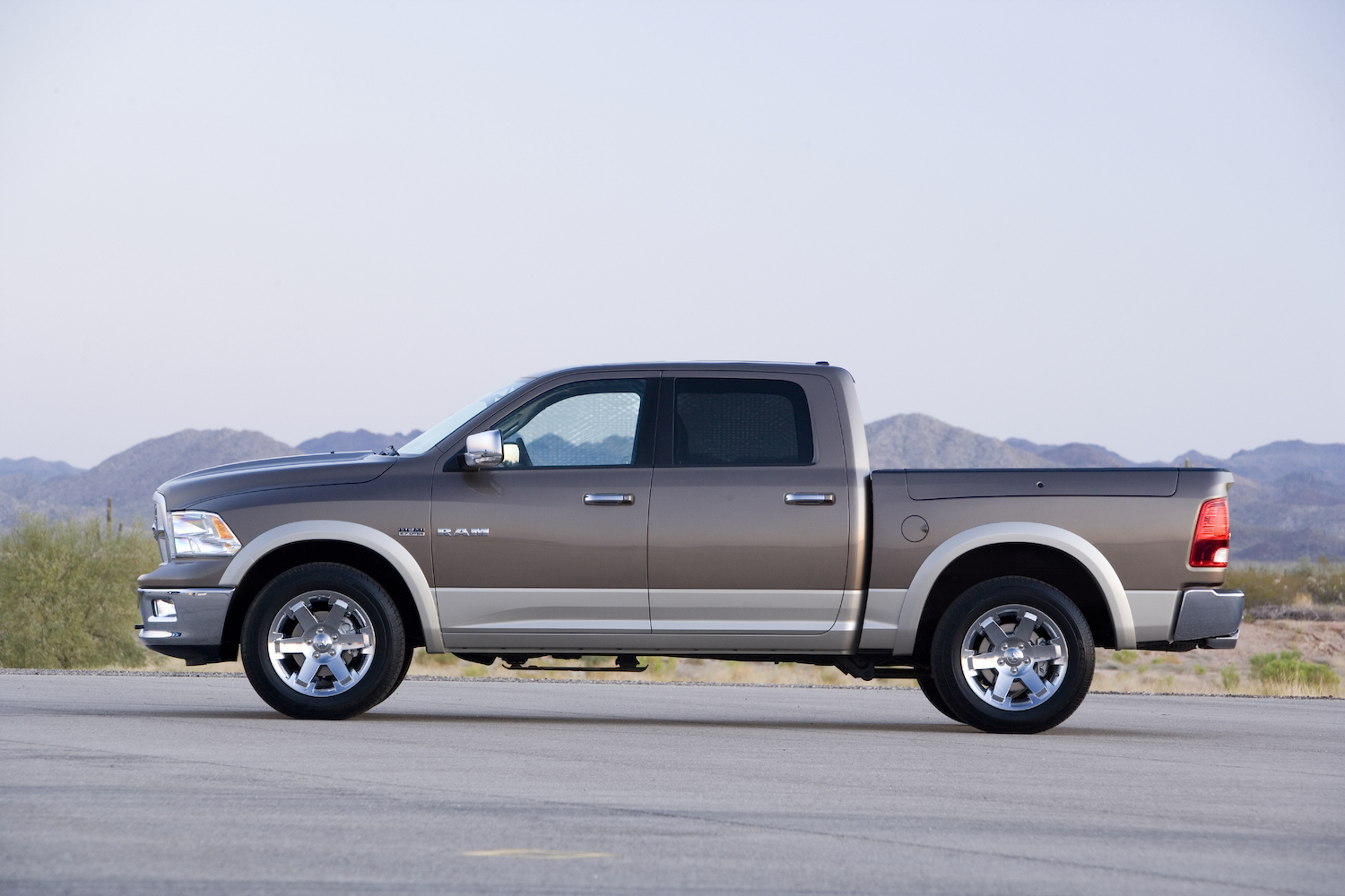 the side view of a ram 1500