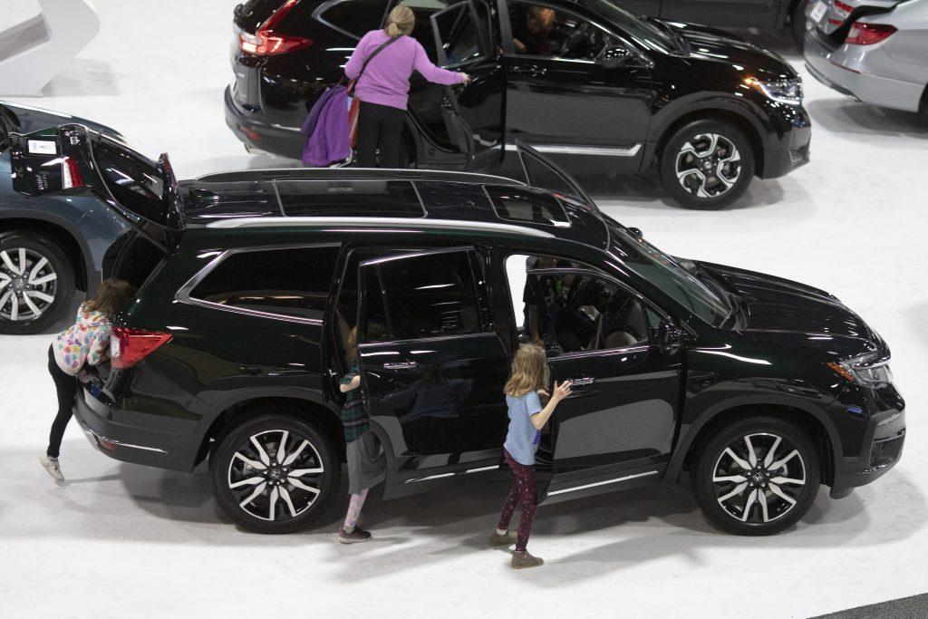 A black 2019 Honda CR-V, a great used SUV