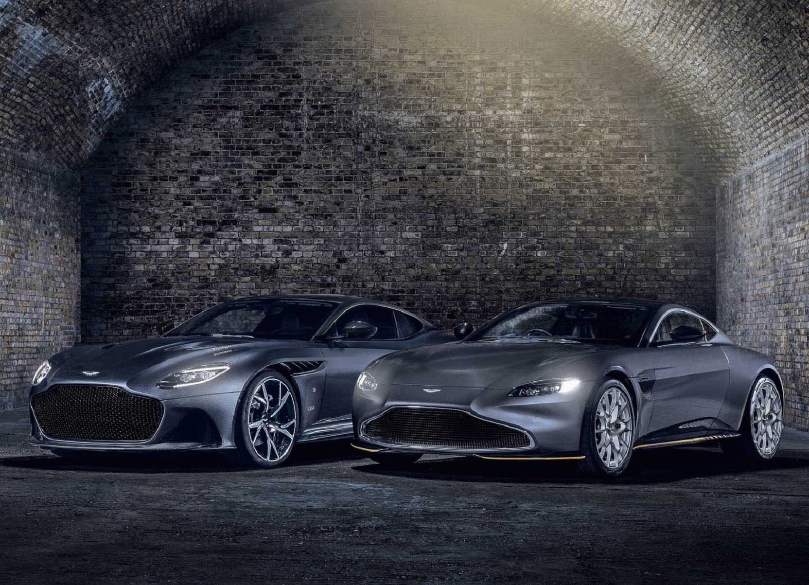00 No No Time To Die Delays Left Aston Martin Wounded Motorbiscuit Editorpen