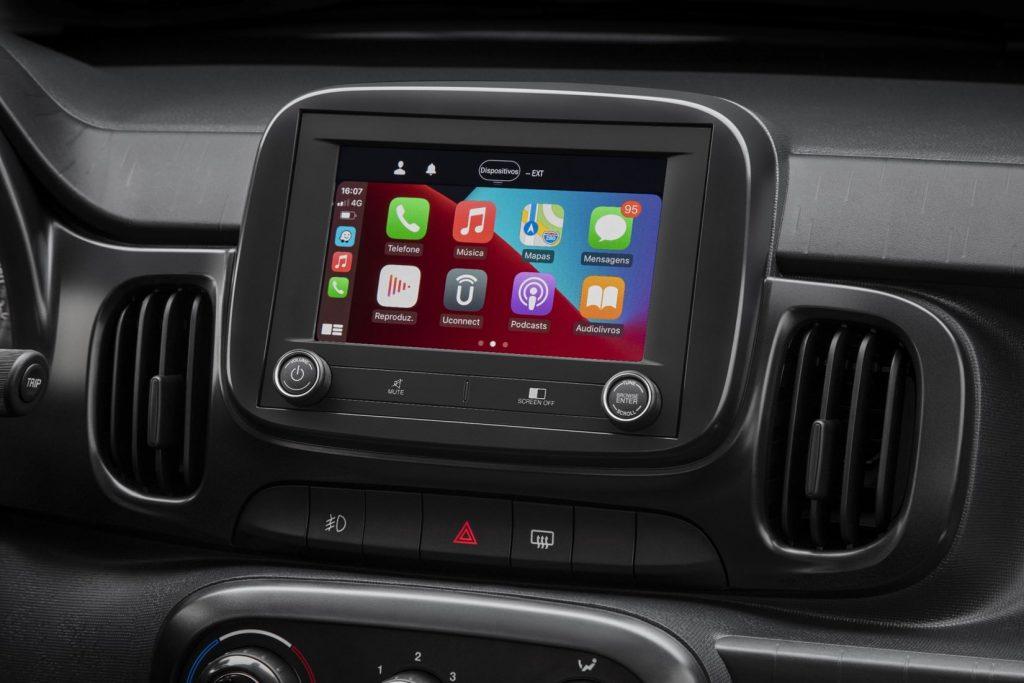 2021 Fiat Mobi infotainment screen