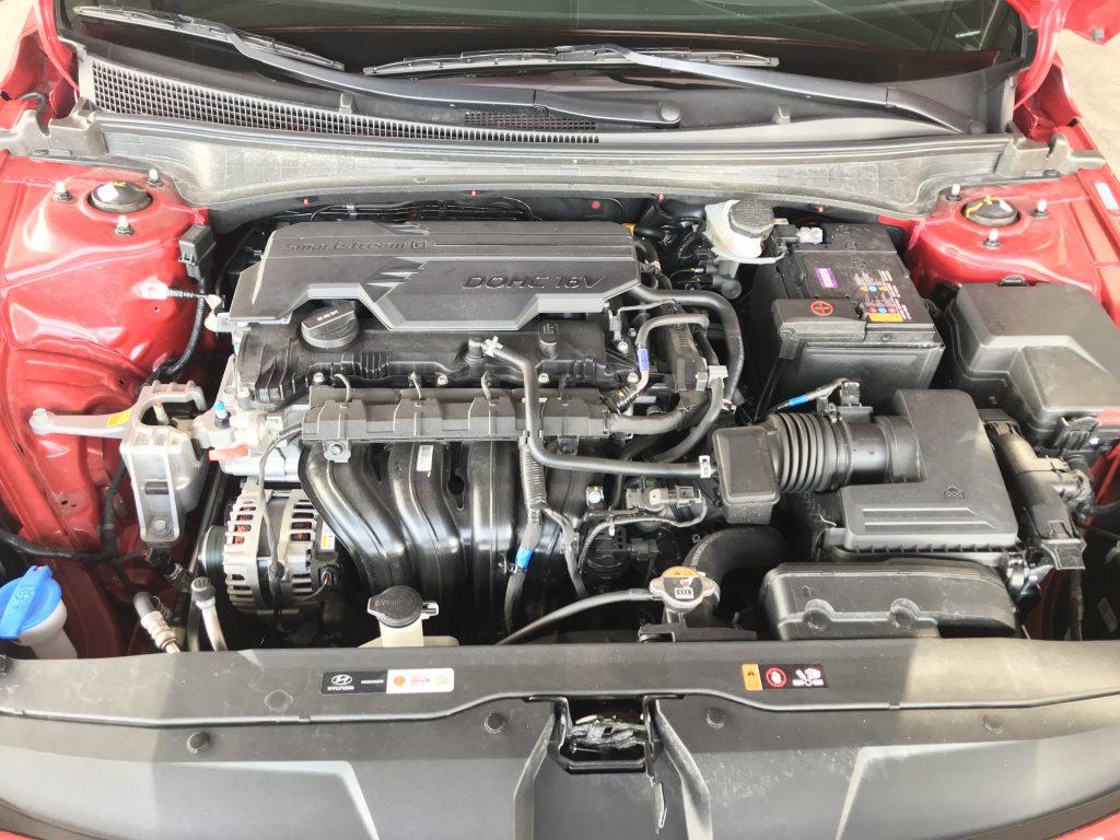 2021 Hyundai Elantra Limited  engine