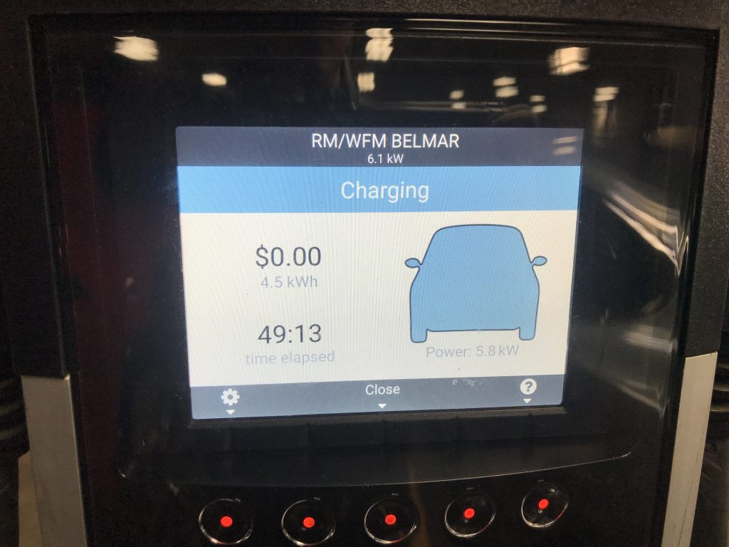 A picture of the screen on the ChargePoint charger
