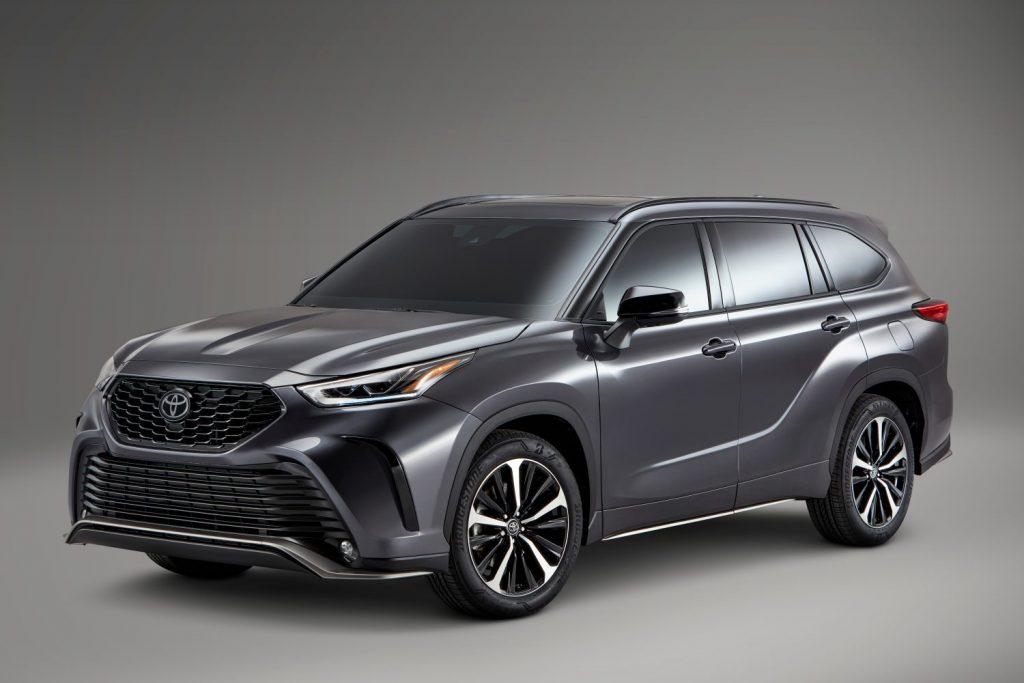 Grey 2021 Toyota Highlander XSE