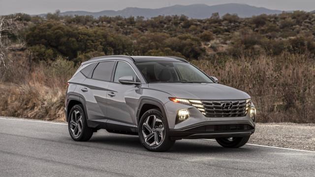 The 2022 Hyundai Tucson PHEV in the desert