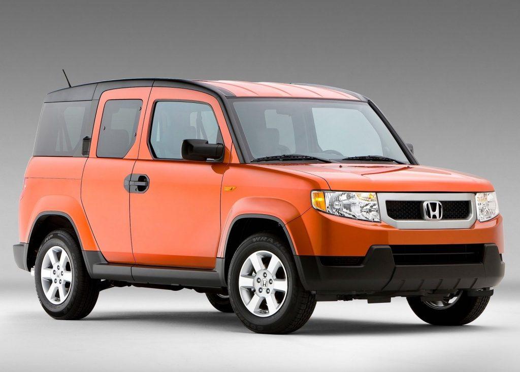 2009 Honda element in orange