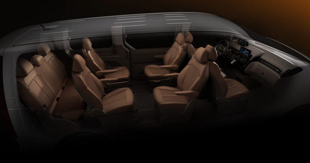 black 2022 Hyundai Staria minivan Captain's chairs