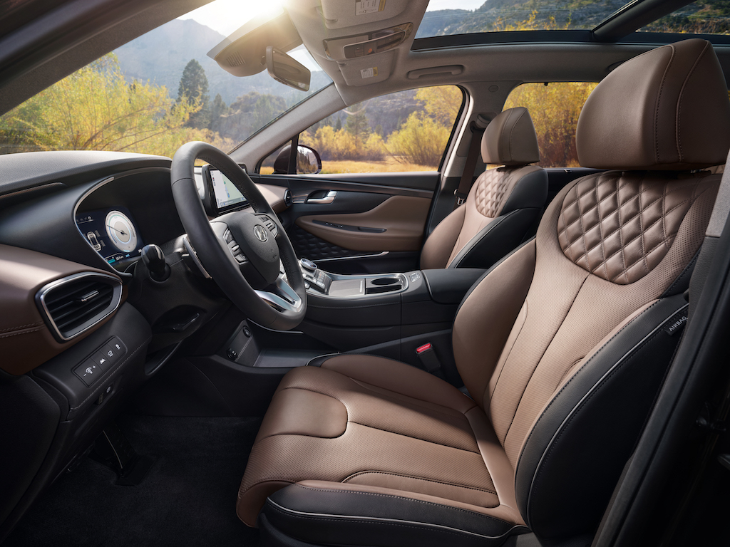 The brown leather interior of the 2021 Hyundai Santa Fe