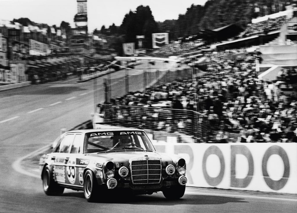 The Mercedes 300 SEL 6.8 AMG racing at the 1971 24 Hours of Spa