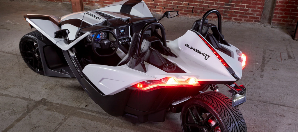A rear shot of the 2020 Polaris Slingshot in white