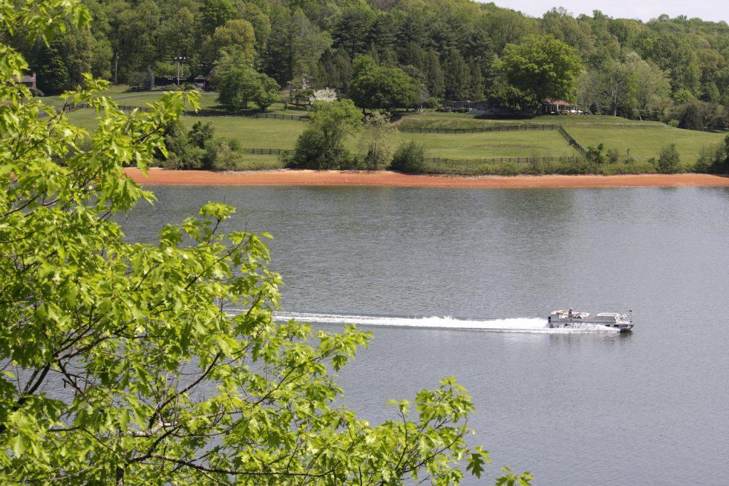 A pontoon boat on Boone Lake.