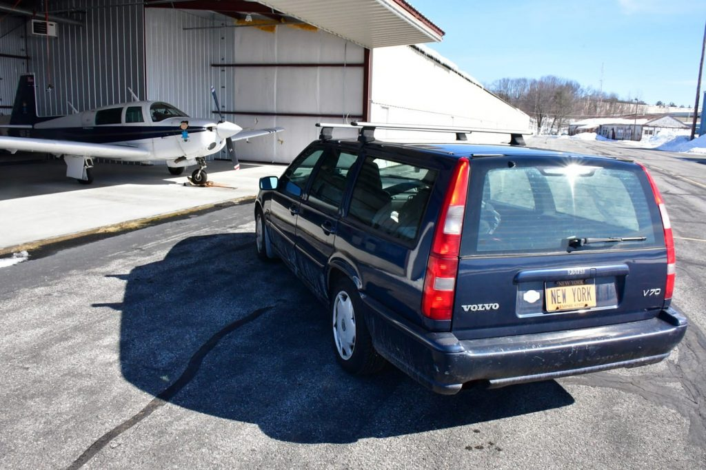 Volvo V70 NEW YORK Plates rear 3/4 view