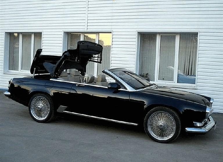 Volga Cabrio with top half up