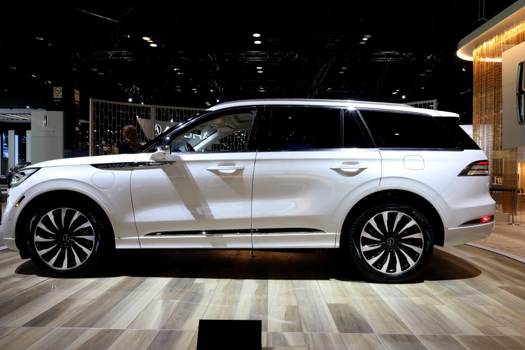 A white 2020 Lincoln Aviator SUV on display