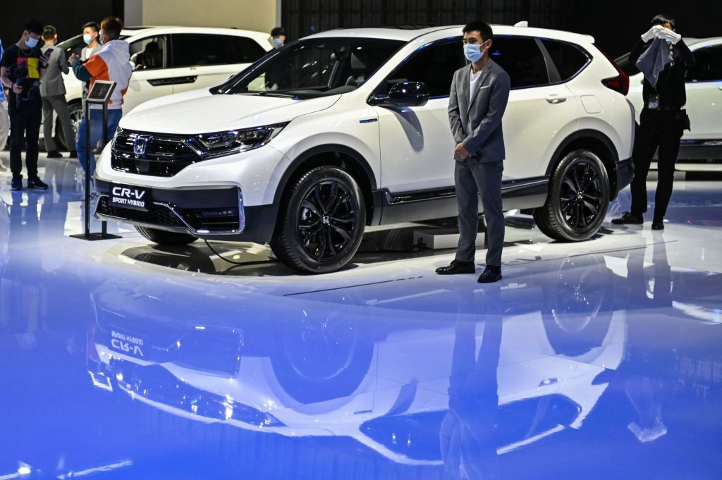 White 2021 Honda CR-V at an auto show named most comfortable compact SUV by Consumer Reports