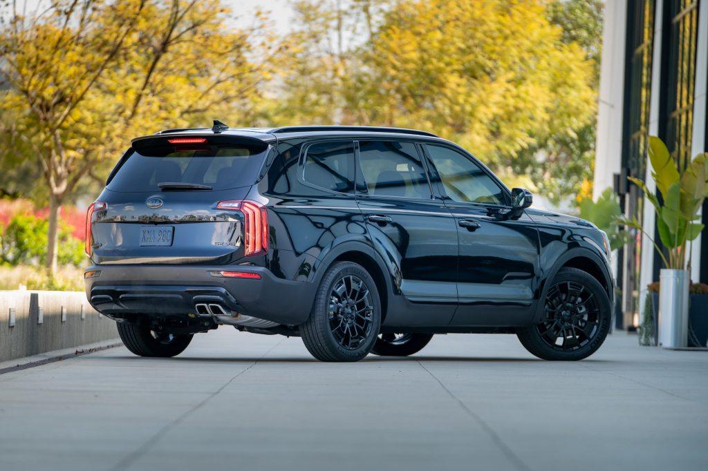 A black 2021 Kia Telluride Nightfall Edition midsize crossover SUv