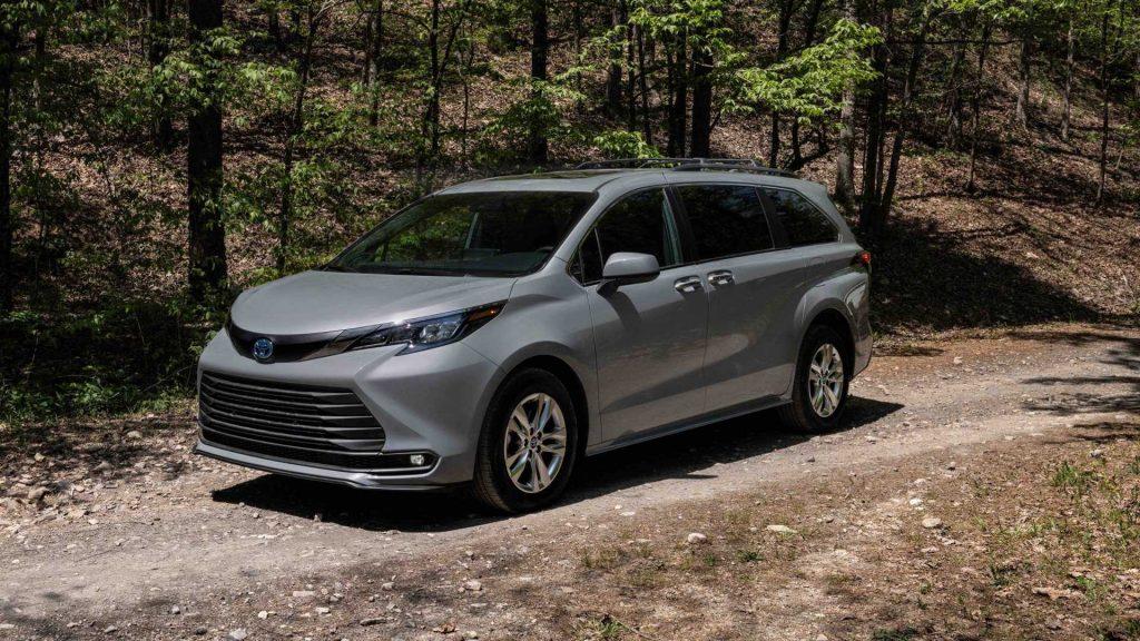 2022 Toyota Sienna minivan Woodland Special Edition