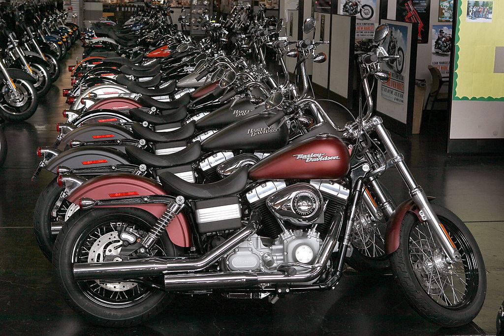 Harley-Davidson bikes in a row