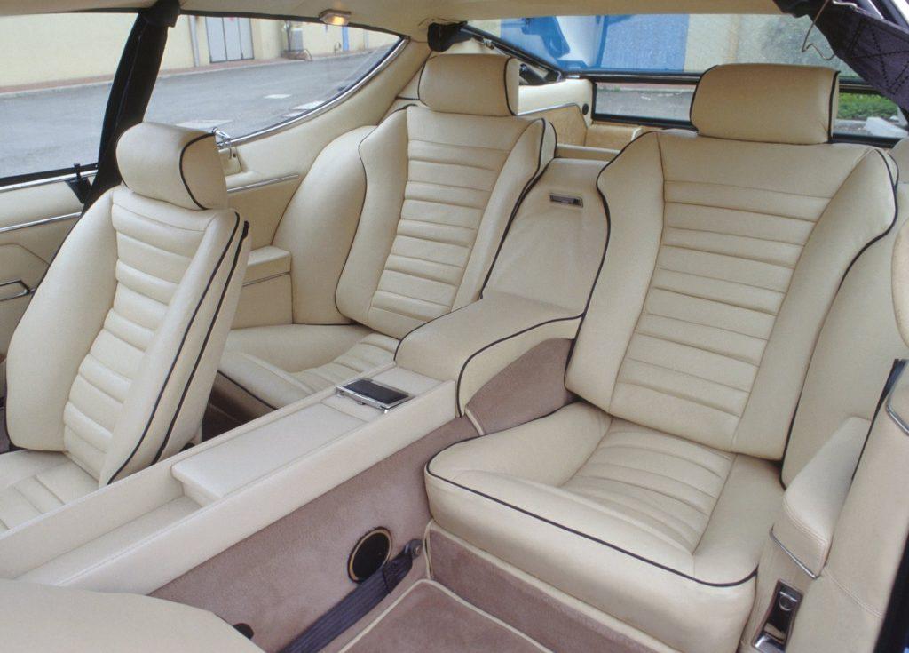 An image of the Lamborghini Espada's interior.