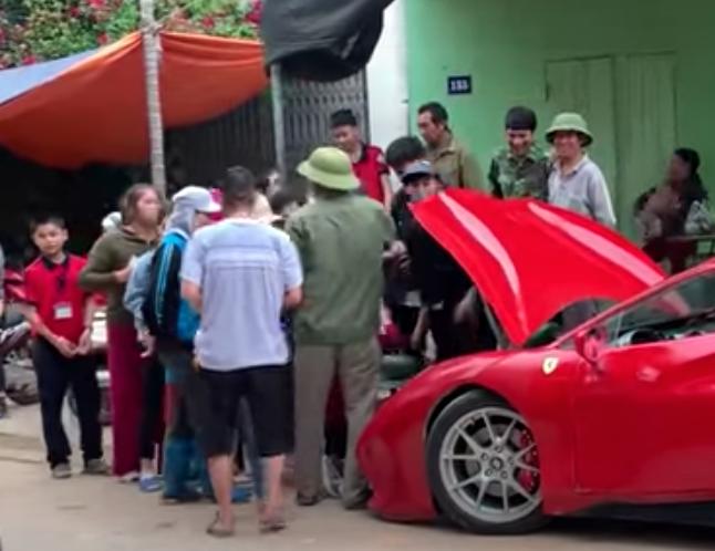 Phony Ferrari Melon Vendor with crowd