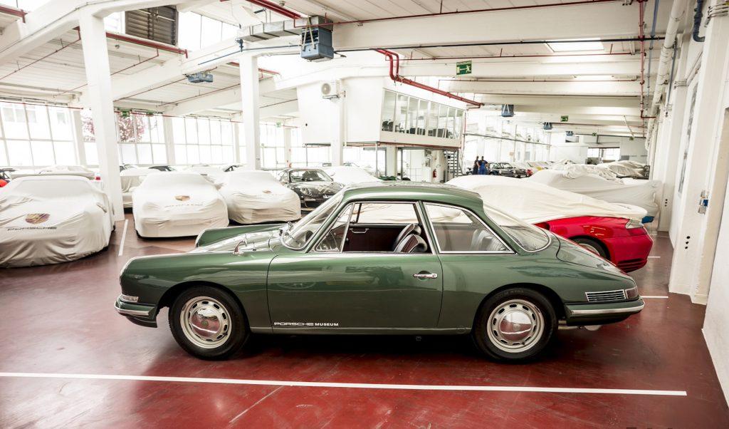 Green prototype Porsche 911 B17 concept car