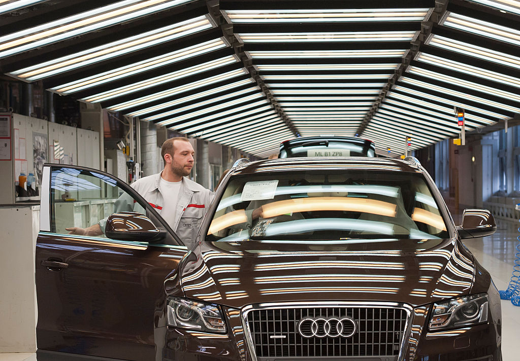 A dark brown 2012 Q5 on the assembly line