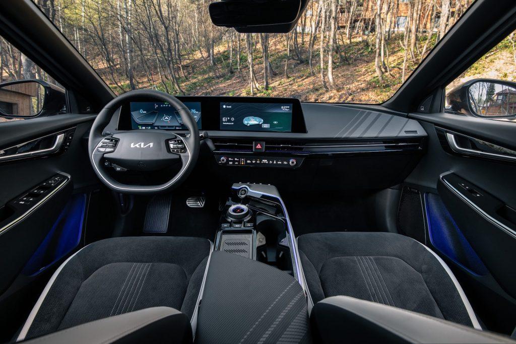 An image of a 2022 Kia EV6 outdoors.