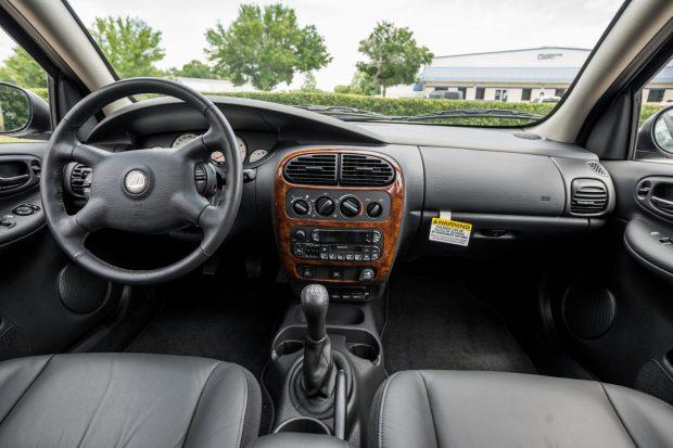 2001 Plymouth Neon interior