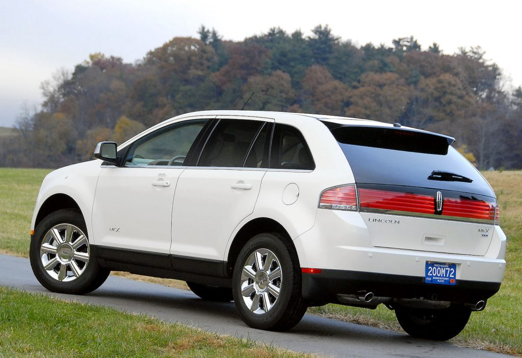 A white Lincoln MKX, one of the best used luxury SUVs under $10,000