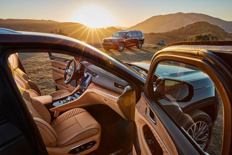 The 2021 Jeep Grand Cherokee L Interior