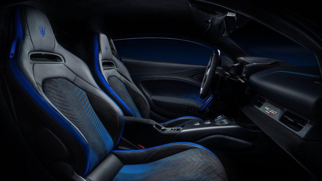 The black-and-blue interior of the 2022 Maserati MC20