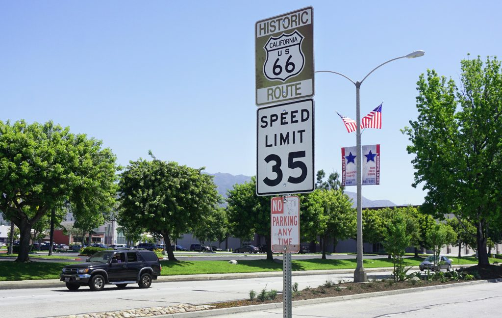 A speed limit sign of 35 mph posted on Route 66