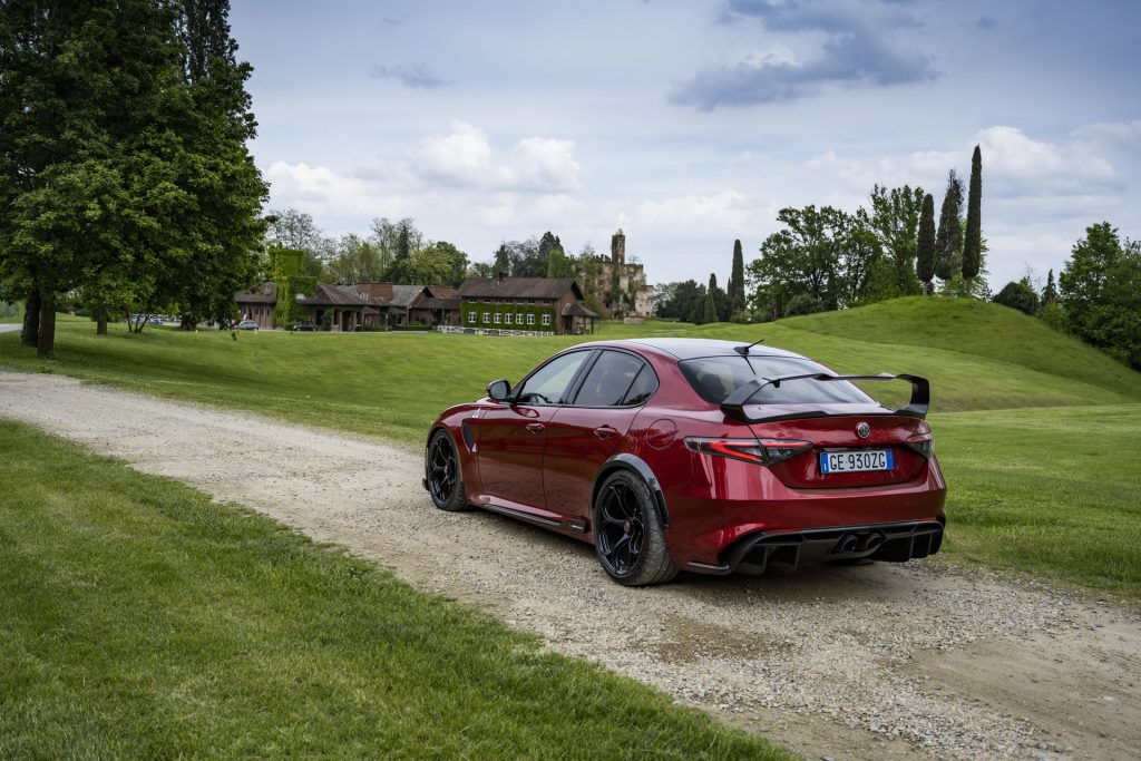 Alfa Romeo Giulia GTA sedan rear 3/4 view