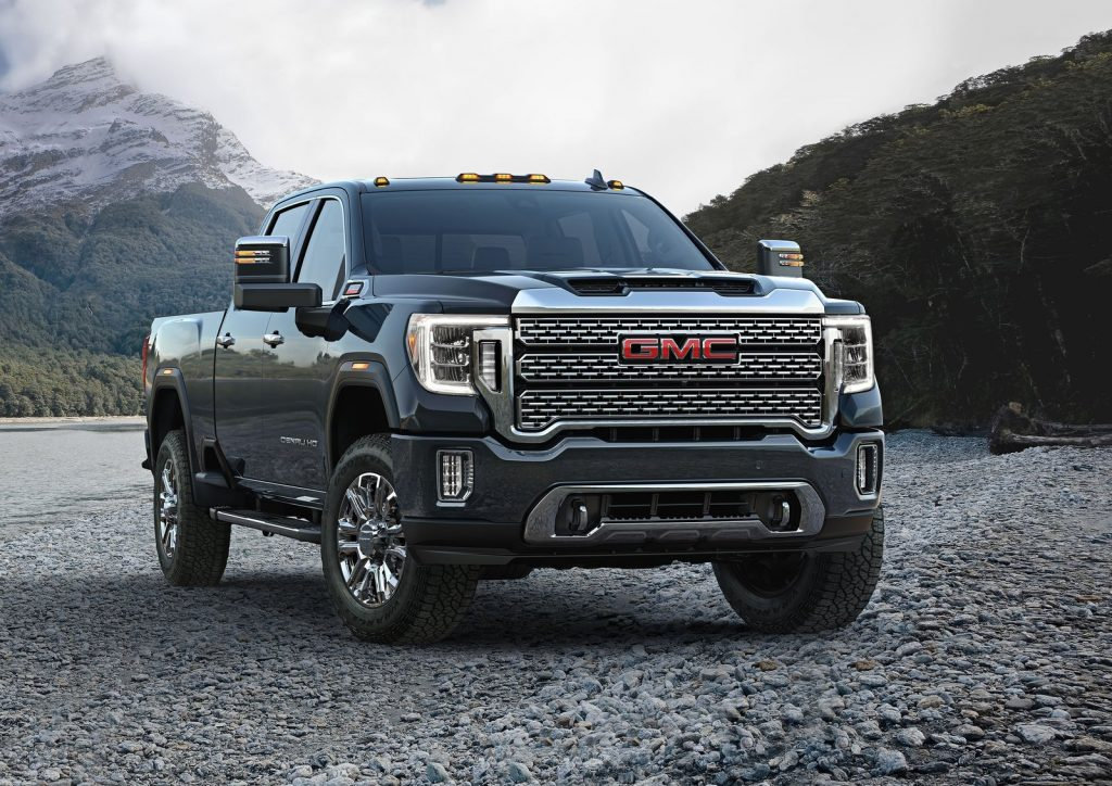 An image of a 2021 GMC Sierra HD parked outdoors.