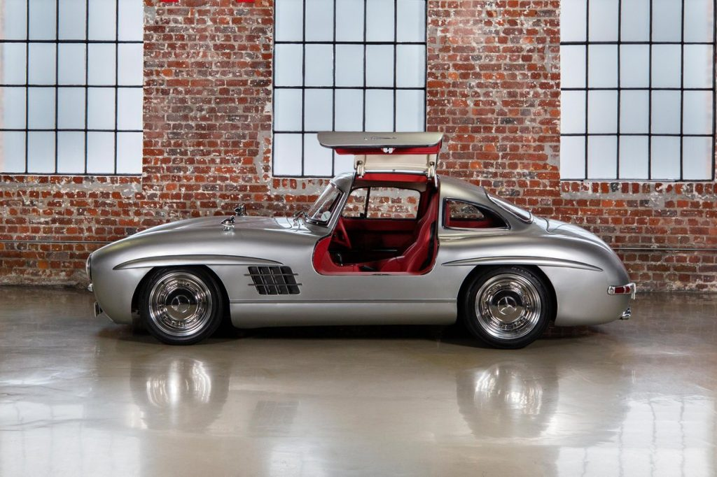 Gullwing tribute from 2001 Mercedes SLK AMG