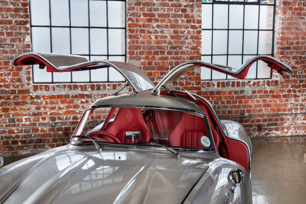 Gullwing tribute from 2001 Mercedes SLK AMG with doors up