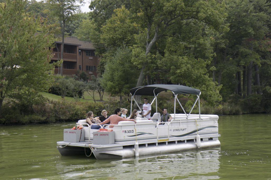 Pennsylvania, Pocono Mountains, Hawley, Woodloch Resort, Lake Teedyuskung, Pontoon Boat Ride
