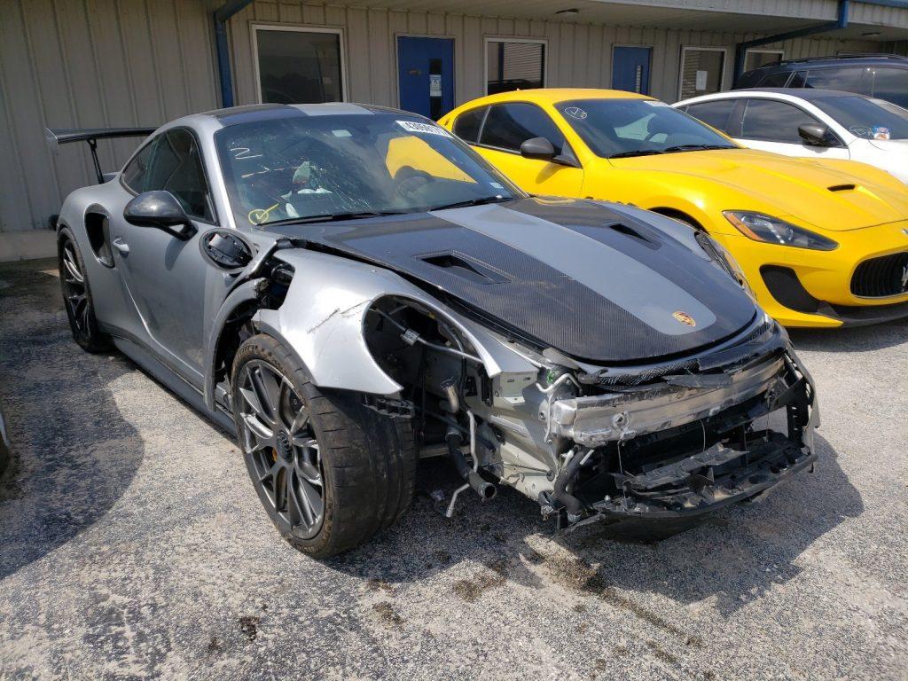 wrecked  2018 Porsche 911 GT2 RS