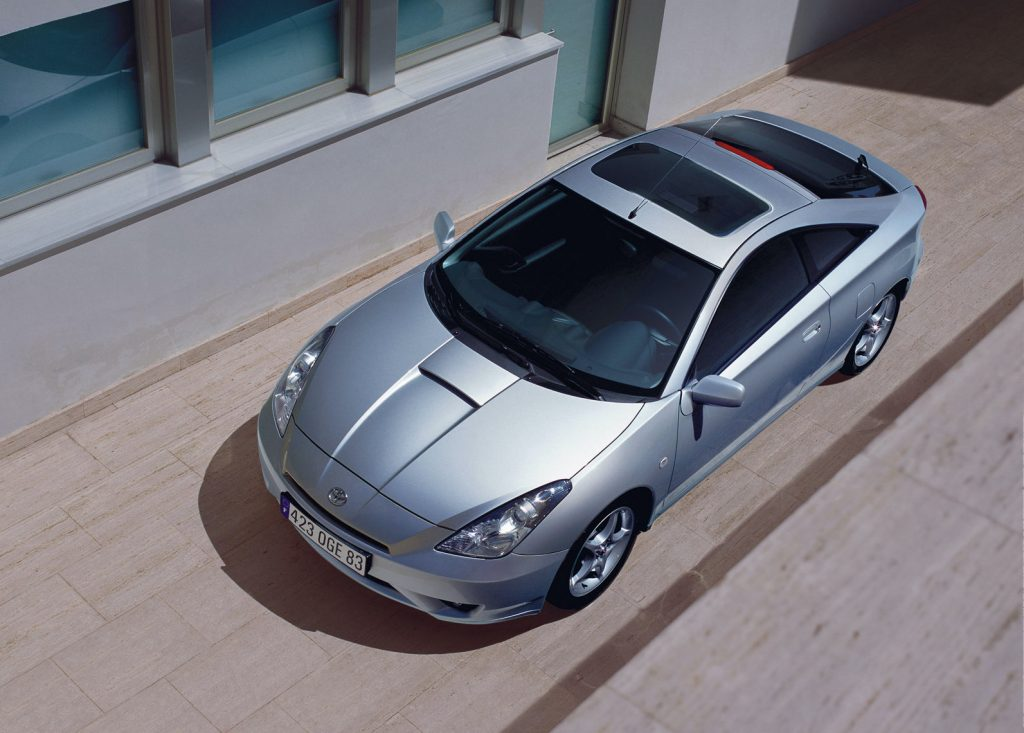 a top view of the 2003 Toyota Celica GT-S