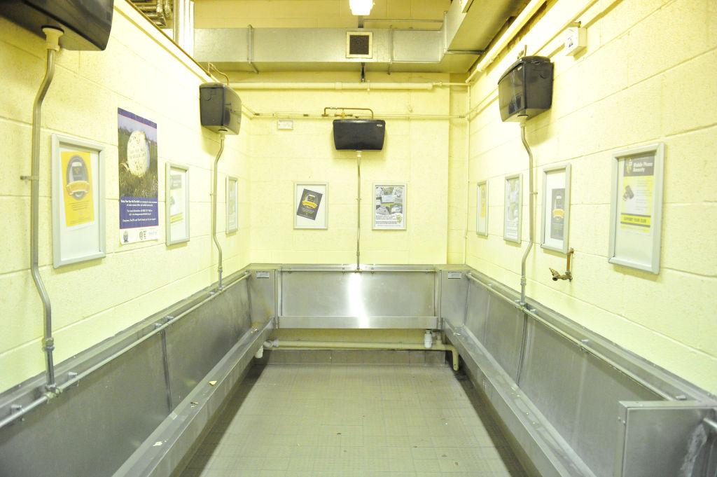 Urinal troughs