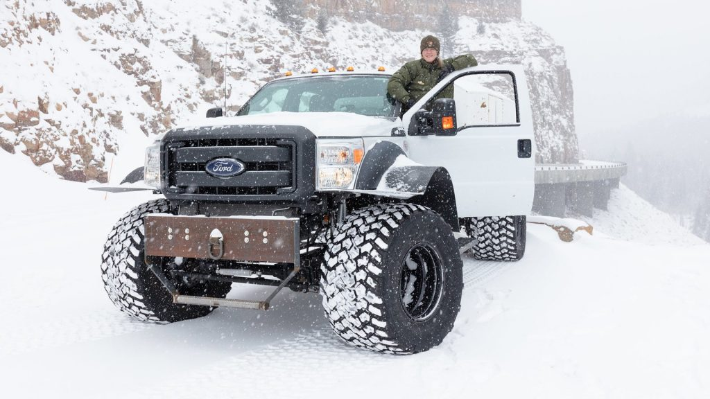 Ford F-550 mail truck with Yellowstone Ranger driver