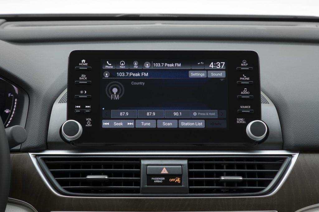 2020 Honda Accord Touring infotainment system