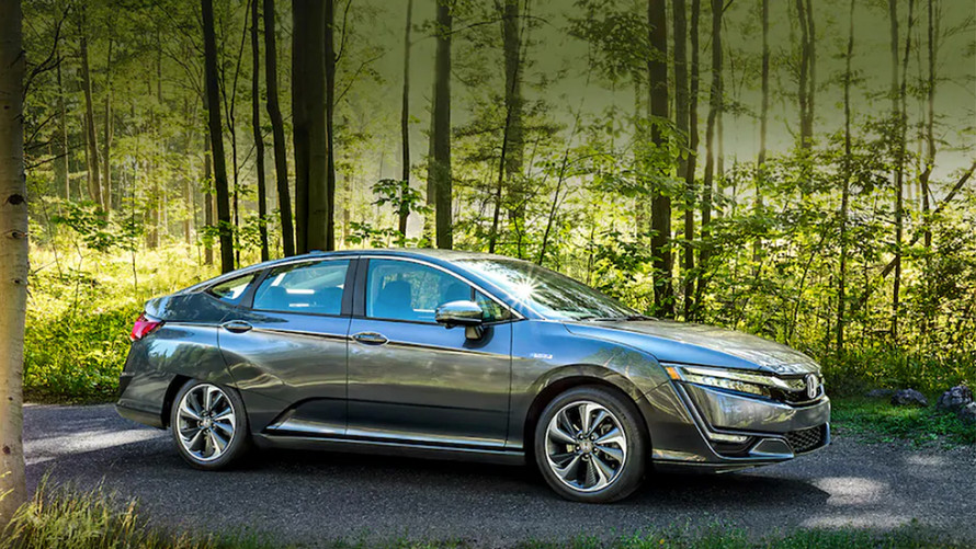 2020 Honda Clarity Fuel Cell  front 3/4 view